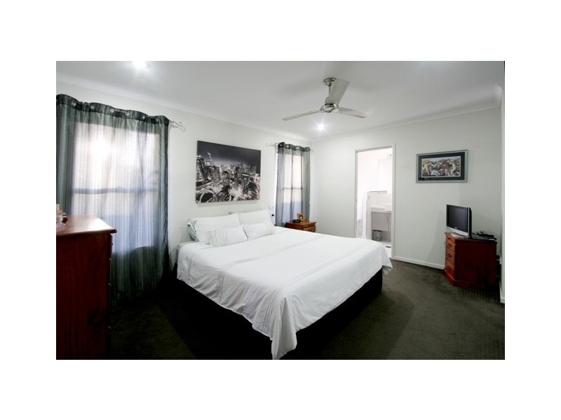15 Song Close, Andergrove QLD 4740