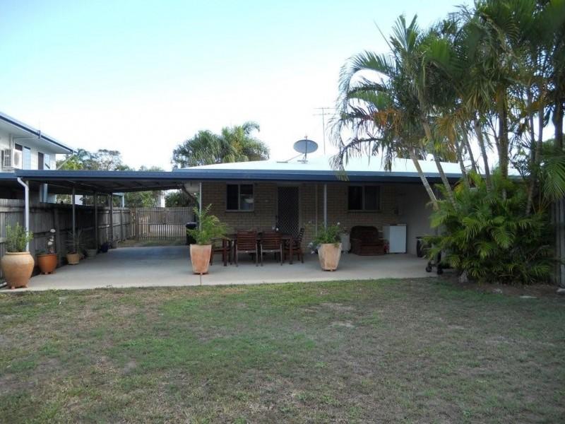 2/3 Amanda Drive, Andergrove QLD 4740