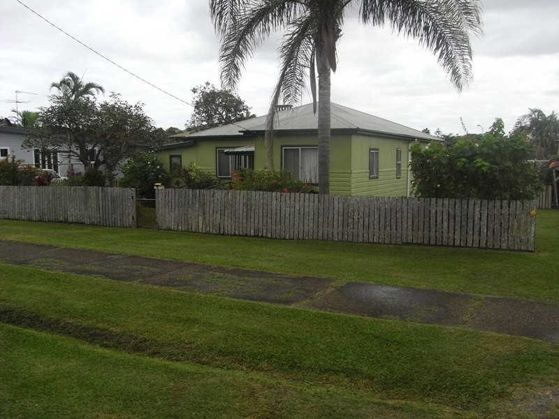 7 Main Street, Crescent Head NSW 2440