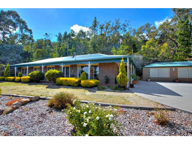 34 Warrawee Avenue, Beaconsfield VIC 3807