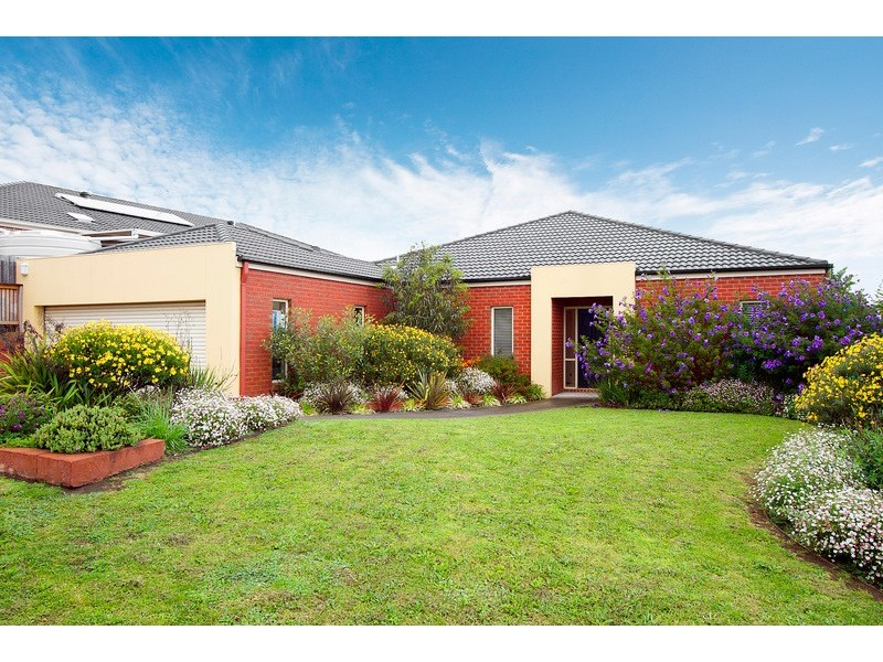 11 Lancaster Way, Beaconsfield VIC 3807