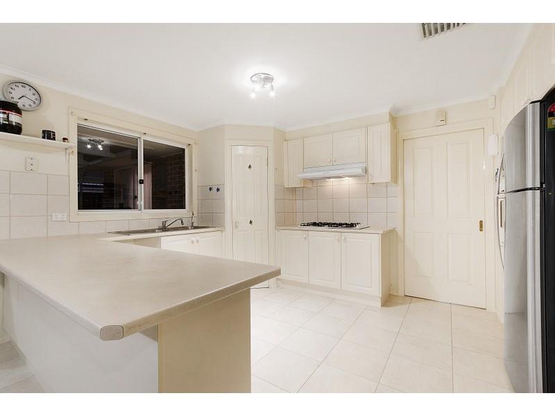 42 Ardblair Terrace, Narre Warren South VIC 3805