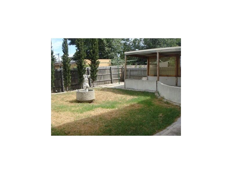 3 Hatherley Grove, Altona North VIC 3025