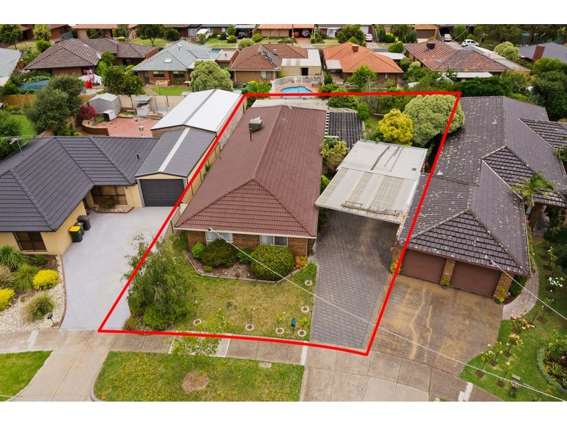 4 Calcutta Close, Altona Meadows VIC 3028