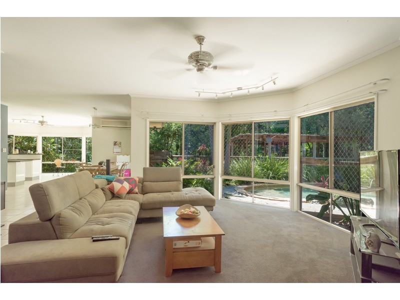 12 Pepper Berry Place, Black Mountain QLD 4563