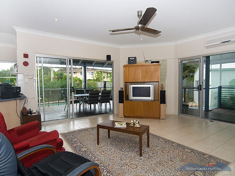 13 Ashgrove Dr, Cooroy QLD 4563