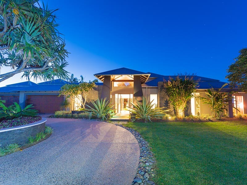 27 Grevillea Lane, Lake Macdonald QLD 4563