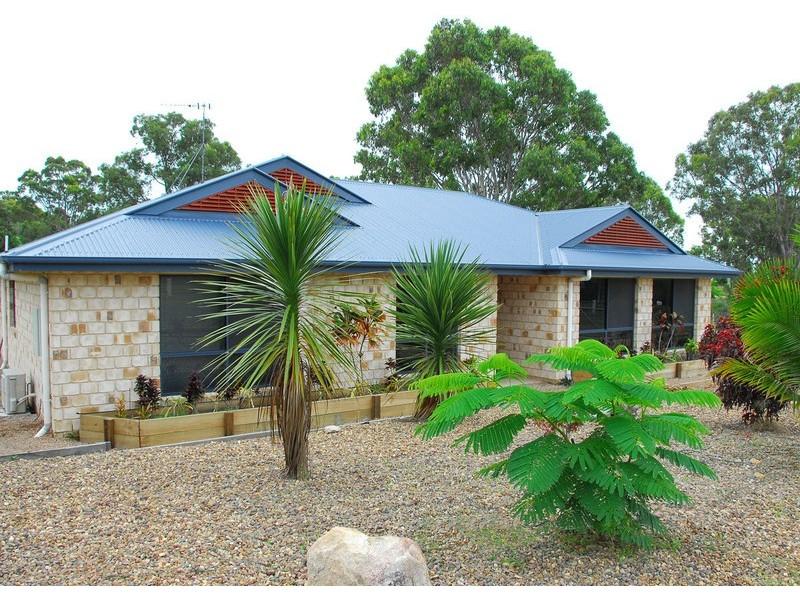 33 Sandrabarbara, Booral QLD 4655