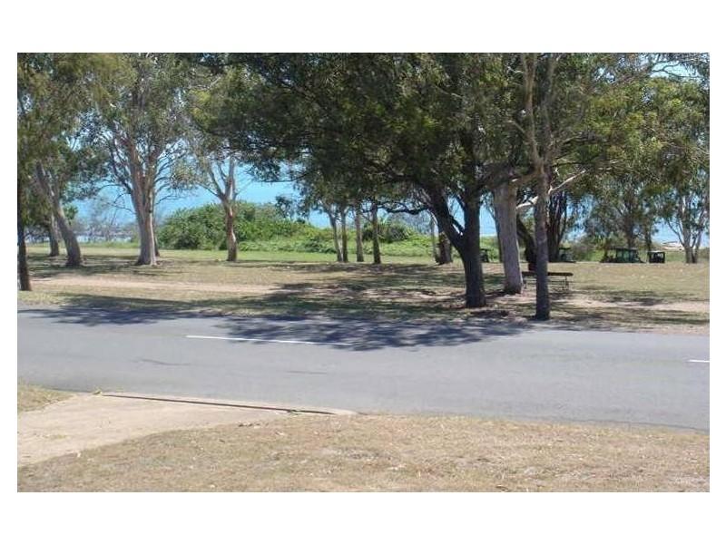 138 Esplanade, Point Vernon QLD 4655