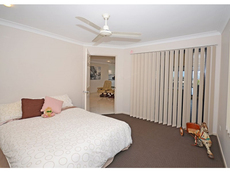 42 Crawford Drive, Dundowran QLD 4655