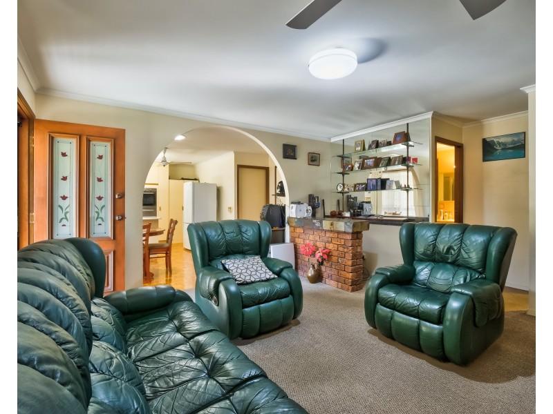 110 Elizabeth Street, Urangan QLD 4655