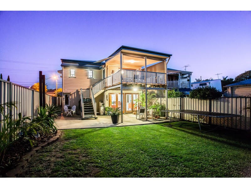 37 Victoria Avenue, Woody Point QLD 4019