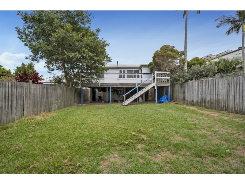 22 Donald Street, Woody Point QLD 4019