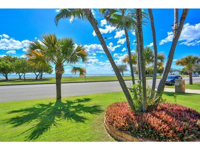 33 Endeavour Esplanade, Newport QLD 4020