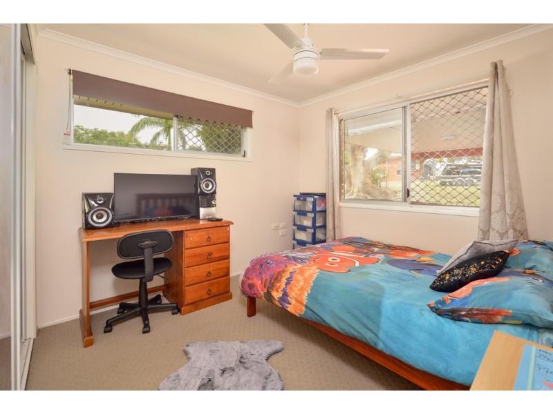 8 TENBY CLOSE, Telina QLD 4680