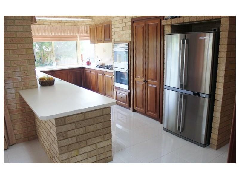 12 Eaglemont Drive, Swan View WA 6056