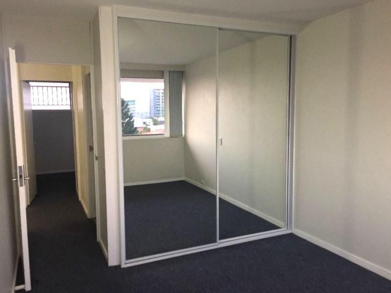 10/223 Cavendish Road, Coorparoo QLD 4151