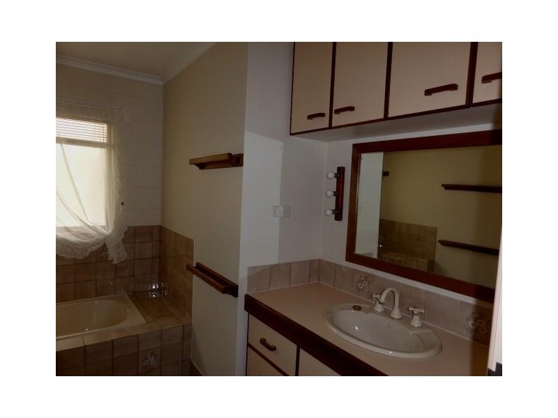 10 Mallett, Tin Can Bay QLD 4580