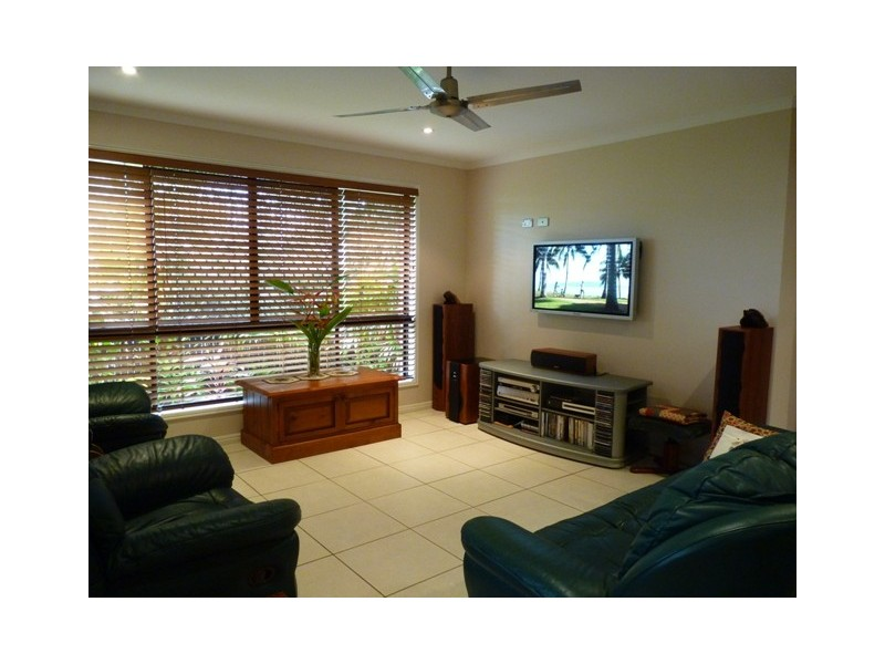 18 Banksia Ave, Tin Can Bay QLD 4580