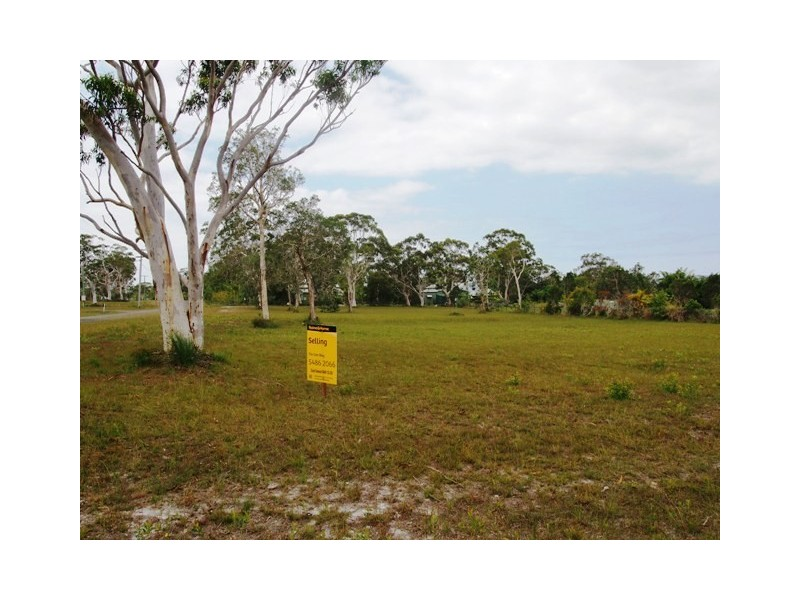 13 Waratah Drive, Cooloola Cove QLD 4580