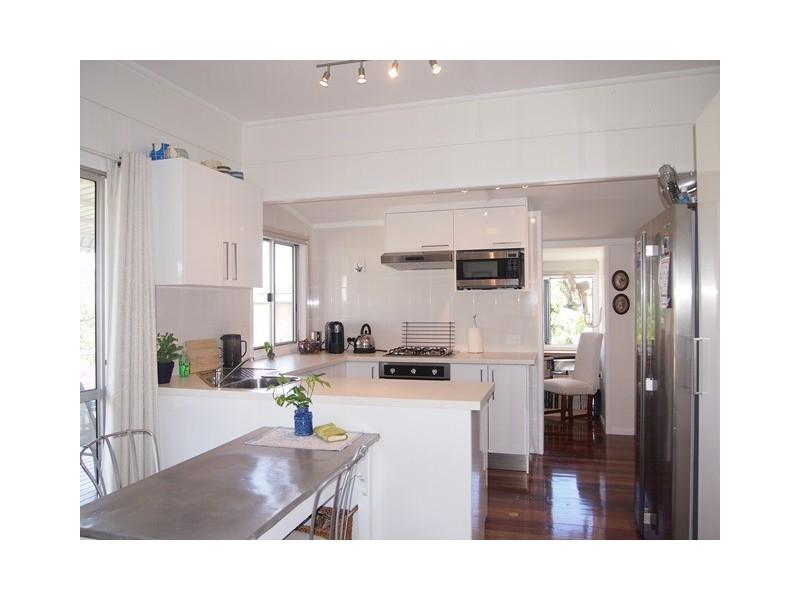 20 Bream Street, Tin Can Bay QLD 4580