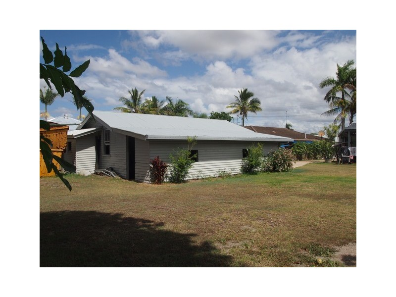 15 Whiting St, Tin Can Bay QLD 4580