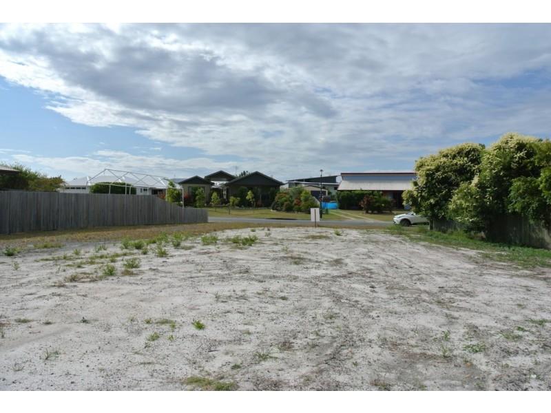 37 Summer Way, Tin Can Bay QLD 4580