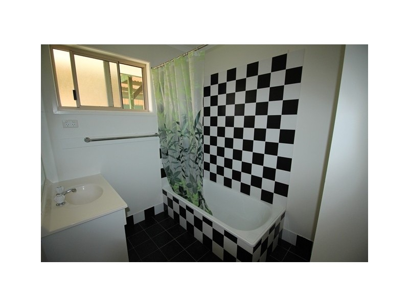 13 Canberra Avenue, Cooloola Cove QLD 4580