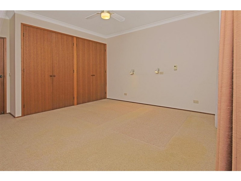 302 Beach Road, Batehaven NSW 2536