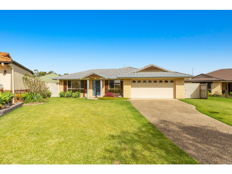 9 Ashgrove Place, Banora Point NSW 2486