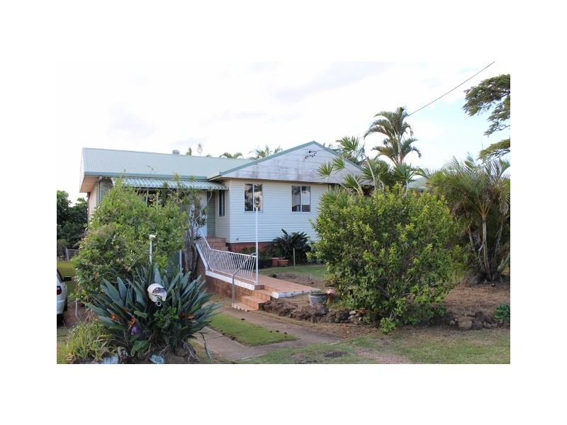 23 Oyster Point Rd, Banora Point NSW 2486
