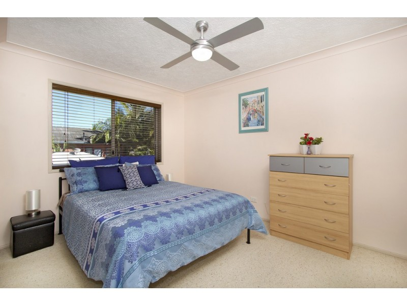 11 / 54-56 Dutton St, Coolangatta QLD 4225