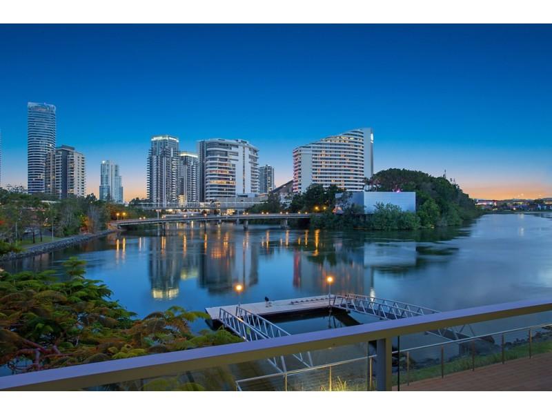4 Miami Key, Broadbeach Waters QLD 4218