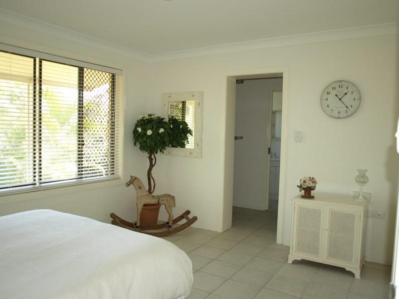 24 Freda Street, Ashmore QLD 4214