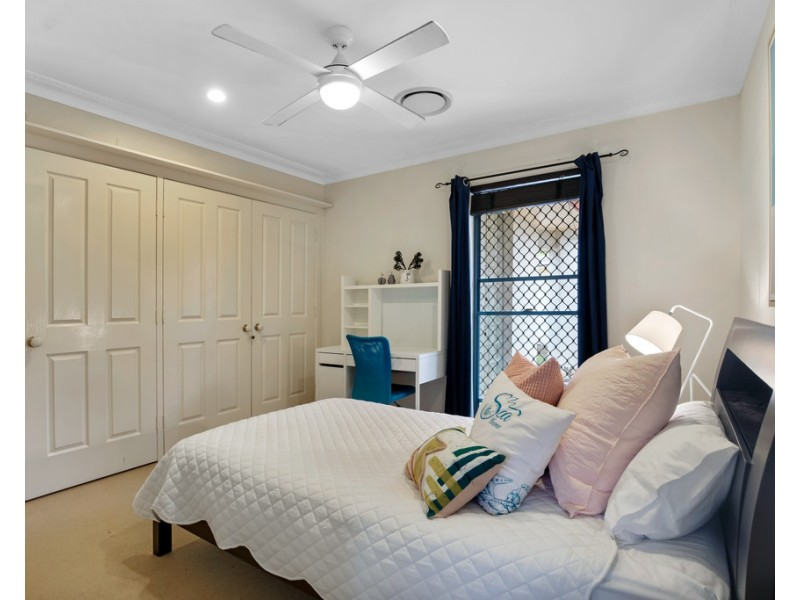 12 Welby Street, Broadbeach Waters QLD 4218