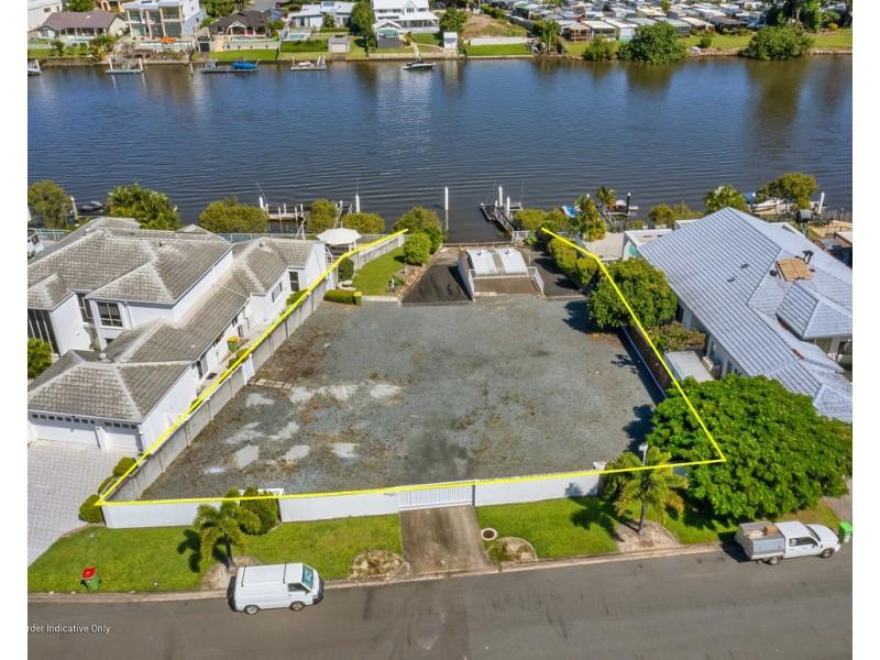 74 Cabana Boulevard, Benowa QLD 4217