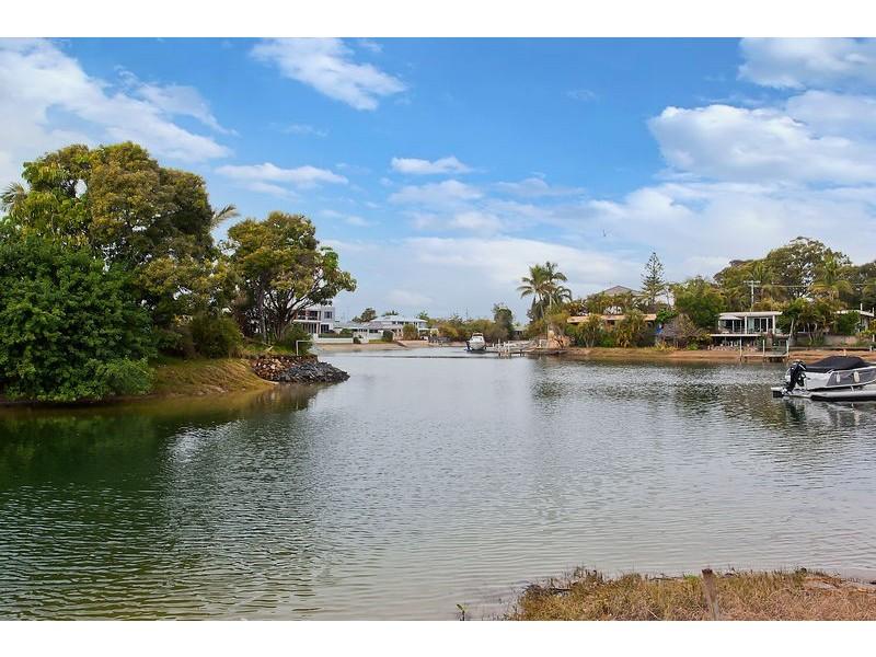 24 Pearl Key, Broadbeach Waters QLD 4218