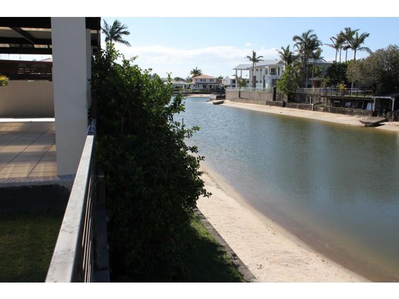 5 Mexicali Court, Broadbeach Waters QLD 4218