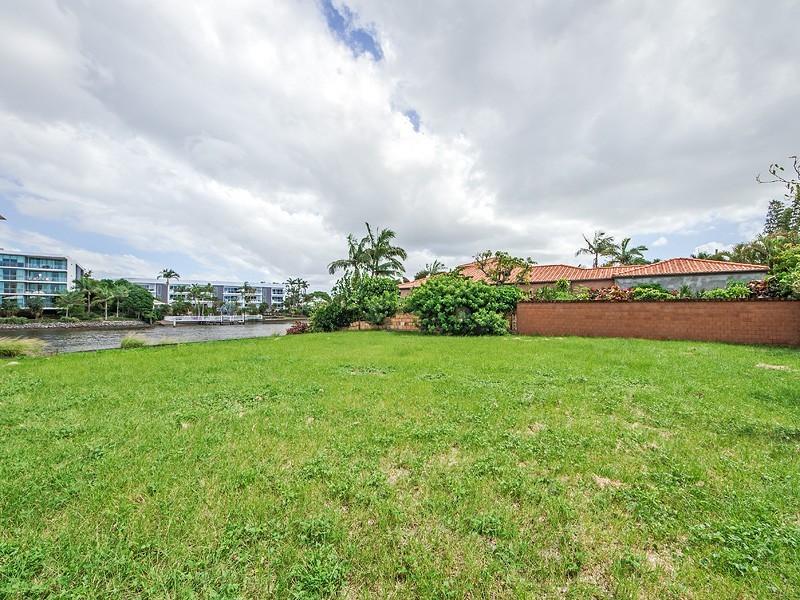 129A Allambi Avenue, Broadbeach Waters QLD 4218