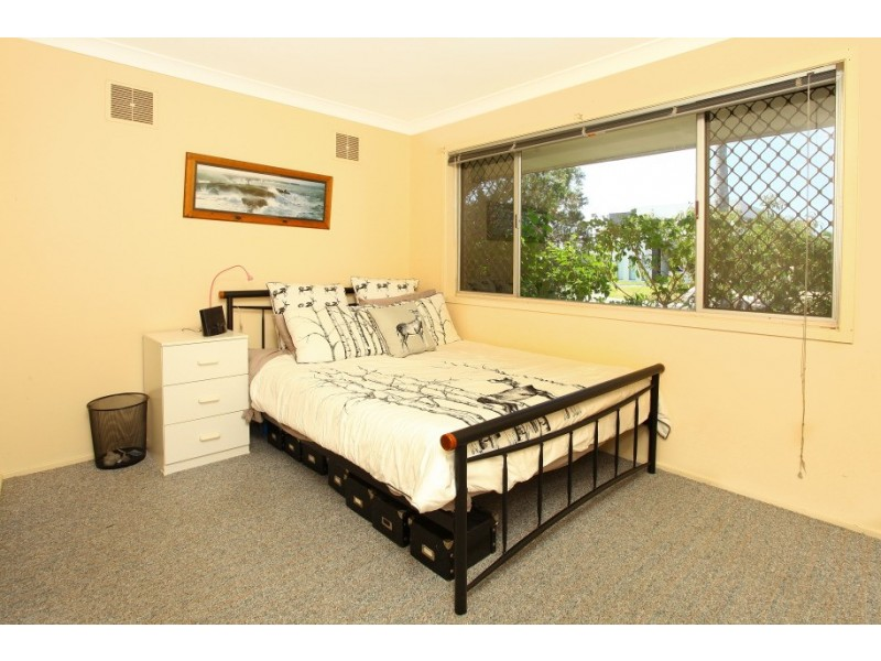 12 Carmel Court, Broadbeach Waters QLD 4218