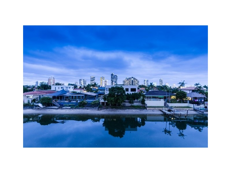 10 Coral Gables Key, Broadbeach Waters QLD 4218