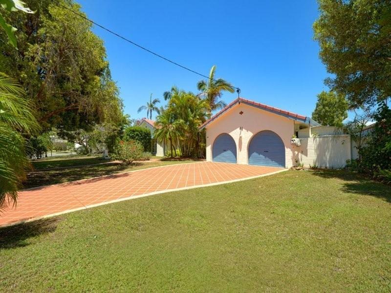 81 Clear Island Road, Broadbeach Waters QLD 4218