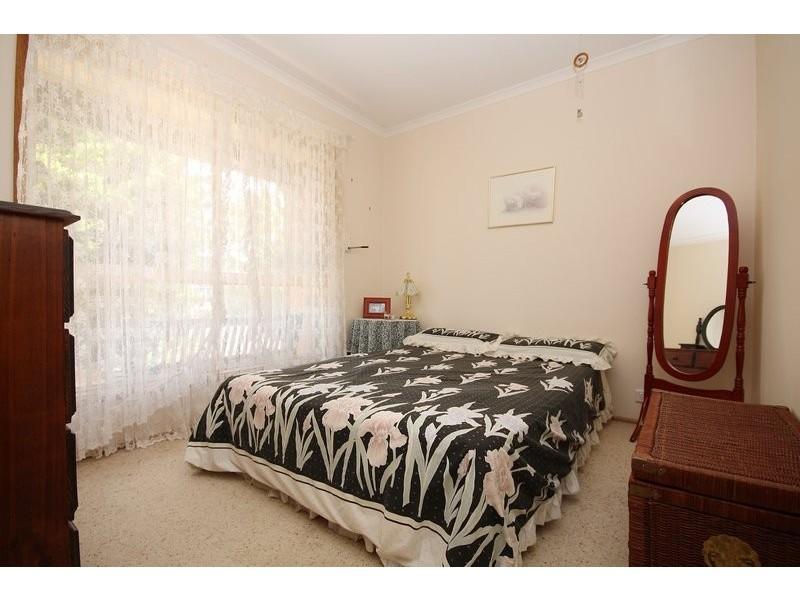 42 Jeanette Crescent, Aberfoyle Park SA 5159