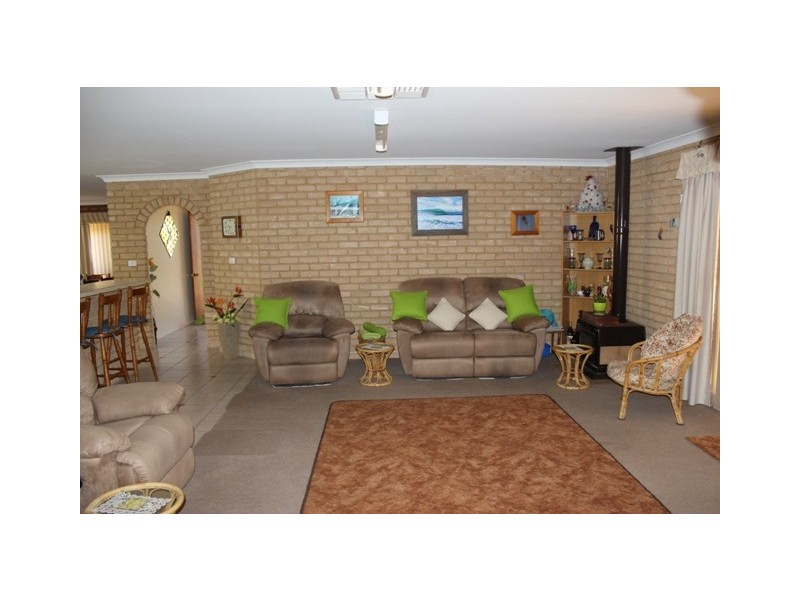 7 Batavia Place, Mahomets Flats WA 6530