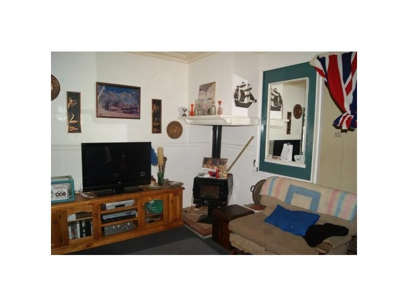 231 First Street, Wonthella WA 6530