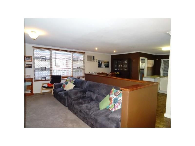 228 Third Street, Wonthella WA 6530