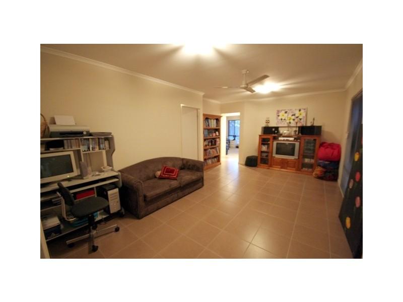 56 Fraser Road, Araluen QLD 4570