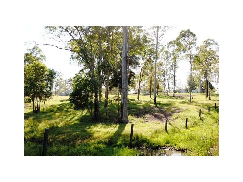 83 Fisher Road, Araluen QLD 4570