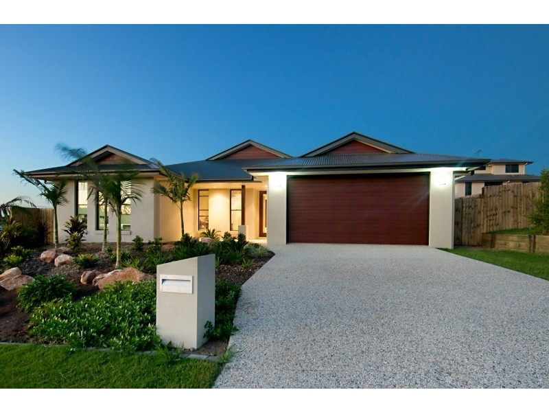 20 Woodland Drive, Southside QLD 4570