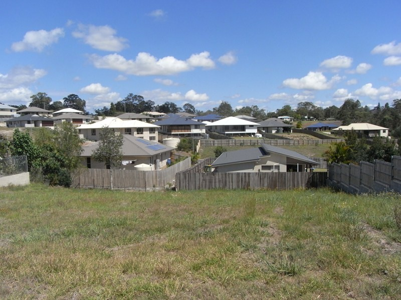 18 Heights Drive, Gympie QLD 4570
